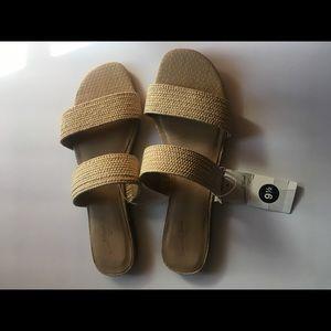 NWT Universal Thread Target Tan woven sandals 9.5